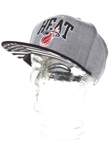 Mitchell & Ness Miami Heat Black USA Cap
