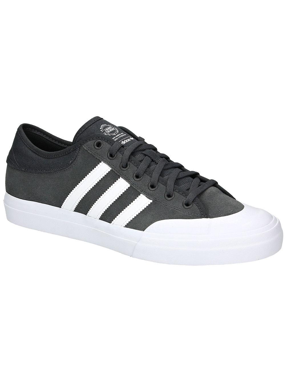 achetez adidas skateboarding matchcourt adv chaussures de skate en ligne sur blue. Black Bedroom Furniture Sets. Home Design Ideas